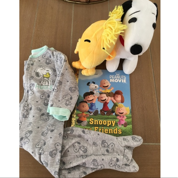 971127beafbb Peanuts Snoopy Baby 3-6 Months Sleeper Book Toy